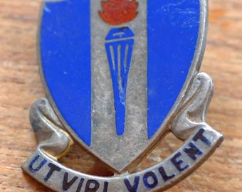 """WWll U.S. Army D I Pin Sterling Silver """"Ut Viri Volent"""" """"So that Men May Fly"""""""