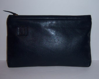Vintage Anne Klein for Calderon Navy Blue Soft Leather Classic Clutch Bag Purse Handbag Lion Logo