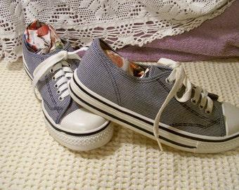 Vintage Navy / White Checked Tennis Shoes - Size 7 1/2 M - Razzmatazz 108