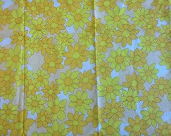 Yellow and orange flower print retro fabric material vintage destash