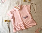 Vintage pink baby girl pleated top blouse. Size 1 / 12 - 18 months. Horse & cart embroidery. Tagged 'Claudia Terlenka' 70s European vintage.