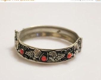 on sale Vintage sterling silver  coral  bracelet