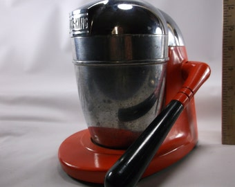Vintage Juice King Mechanical Juicer Bright Red and Chrome Cast Metal .epsteam
