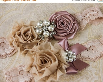 20% OFF Lace Garter Set, Wedding Garter Set, Bridal garter Set, Ivory Lace Garter Set, Shabby Chic Garter, Flower Garter Set