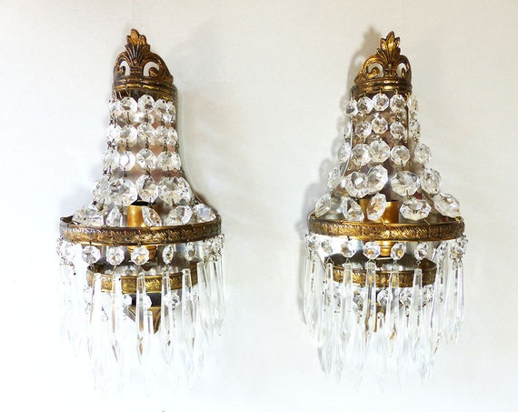 French Ornate Gilded bronze and crystal Wall Light with