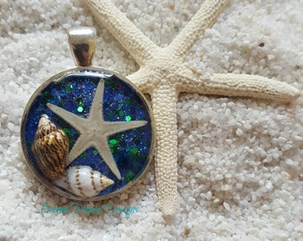 "Mermaid's Treasure Necklace ""Glimmer"""