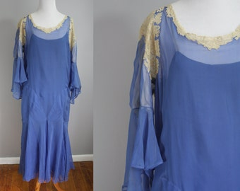 1920's Royal Blue Dress // Flutter Sleeves and Lace // Medium