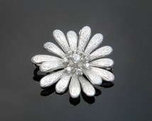 Flower link, T8-R5, 2 pcs, 18x17mm, 4mm thick, Daisy pendant / connecter, Matte rhodium plated brass, Cubic zirconia