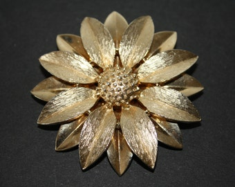 Vintage Sarah Coventry Large Gold Flower Pin