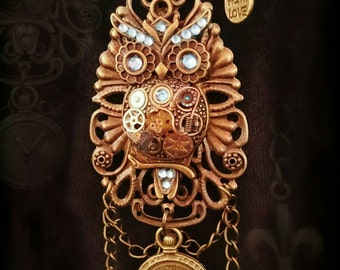 """Discontinued! Special offer! Steampunk Hooters owl """"Owlbert"""" necklace."""