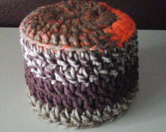 Crocheted bathroom tissue cover