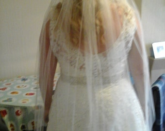 Wedding veil in Ivory 45 ins Long,one tier fully gathered.