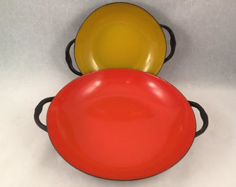 Set of 2 Enamelware Pans/Bowls with Handles, Enamelware Handles Dishes