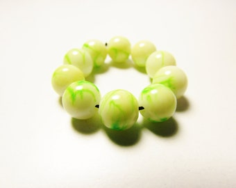 D-00929 - 10 Glass beads 8mm Yellow-Green