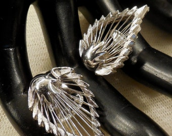 Vintage Boucher Silver Tone Leaf Shaped Wire Wrapped Earrings