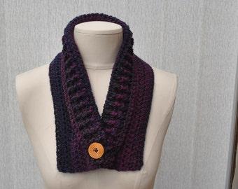Crocheted cowl in dark purple tones