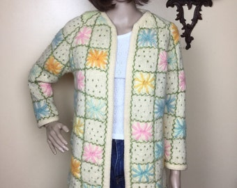 vintage 50s Cardigan Sweater , Embroidered Floral Pastels