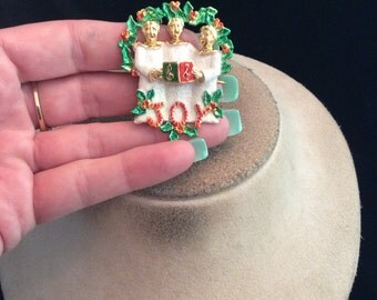 Vintage Sparkly Enameled Christmas Carolers Pin