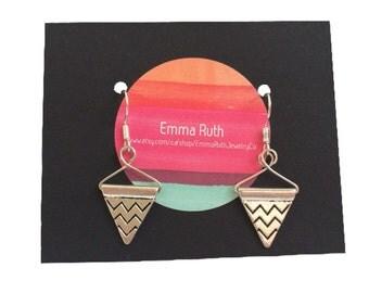 Triangle Earrings Silver Geometric Earrings Silver Geometric Dangle Earrings Everyday Earrings Minimalist Jewelry Simple Silver Earrings