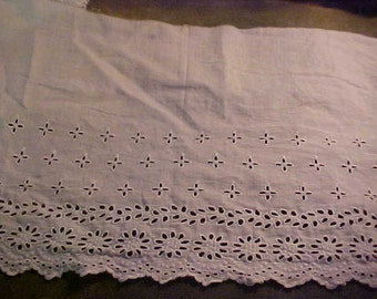 "Antique White Cotton Eyelet Lace, 11"" x 81""  #1011"