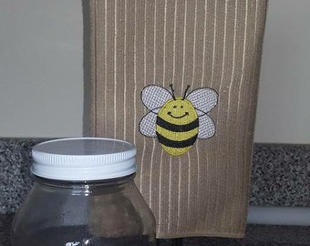GG 1800 Embroidered Bee