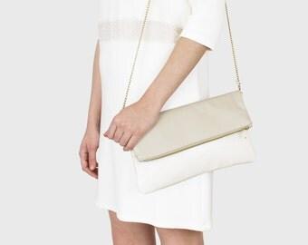 Foldover clutch Finja - beige/white