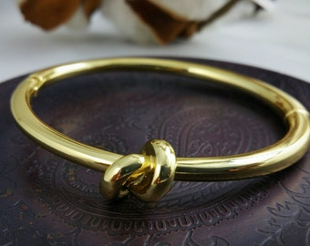 Gold Infinite Knot Bracelet