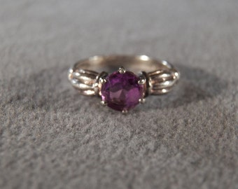 Vintage Sterling Silver Amethyst Ring with Decorative Band, size 7 Jewelry **RL
