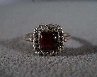 Vintage Sterling Silver Large Domed Square Rhodolite Garnet Fancy Scrolled Twisted Braided Band Ring, Size 9 **RL