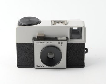 Kodak Instamatic 25 126 Film Cartridge Camera with Case - Working
