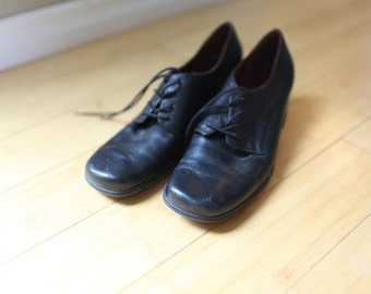 vintage black leather lace up  oxfords heels womens 10 1/2 *