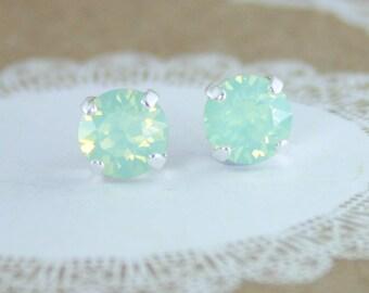Mint earrings,mint stud earrings,stud earrings,green crystal earrings,swarovski earrings,swarovski stud earrings,mint wedding jewelry,mint