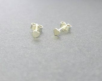 Tiny heart stud earrings  / Sterling silver earrings / Silver heart post earrings / Modern earrings / boho earrings