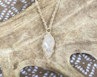 beautyful handmade white Angel Quarz Healing necklace