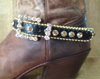 Boot bling black and gold trim