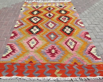 Boho chic Turkish kilim rug - 5.3x8.5 ft - Free shipping in US 5x8