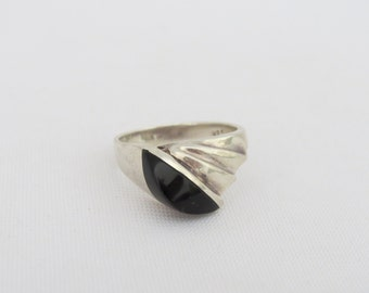Vintage Modernist Sterling Silver Black Onyx Domed Ring Size 8.5