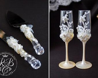 Champagne Flutes, Wedding Set Server and Knife, Vintage Wedding, Engraved Cake Serving Set, Personalized Flowers Wedding Glasses, 4 pcs