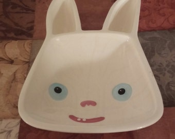 TM & Scary Stories Bunny Dish