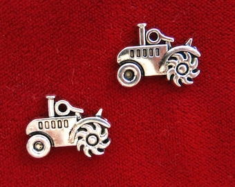"""10pc """"tractor"""" charms in antique style (BC934)"""