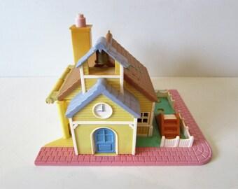 Wonderful Vintage Polly Pocket 1993 School House Play Set - No Figures.  /MEMsArtShop.