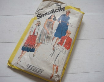 Sundress and Jacket Pattern, Circa 1970, Simplicity 5514, Size 20 to 24.