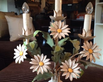 1930-40's Beautiful Daisy Lamp..