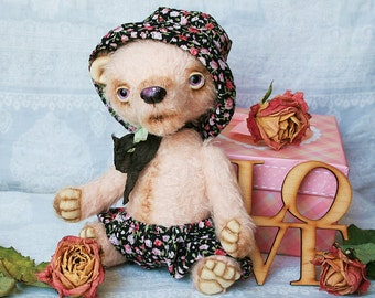 Peony Artist teddy bear 7.8 inches (20 cm)