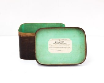 French Bent Wood Box Made By The Delassus Company in Paris