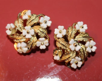 Clip On Earrings-Gold with White Flowers Vintage