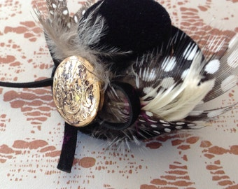 Victorian;steampunk;top hat;brooch;pin;costume;accessory;mixed media;Victorian;miniature;cosplay;feathers;charms