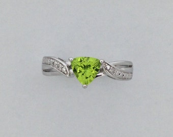 Natural Peridot with Natural Diamond Ring 925 Sterling Silver