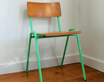 SCHOOL CHAIR GREEN
