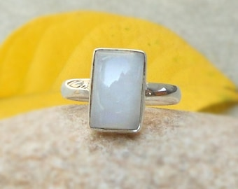 White Rainbow Moonstone 925 silver ring, Gemstone Ring - Silver Ring - June Birthstone - Gift for her - Birthday Gift ring size 6.5